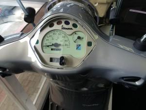 Piaggio Vespa scooter 2